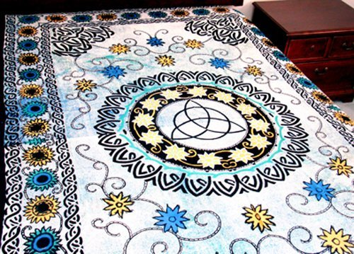4Rissa Floral Triquetra Celtic Tapestry Bedspread Wall Hanging
