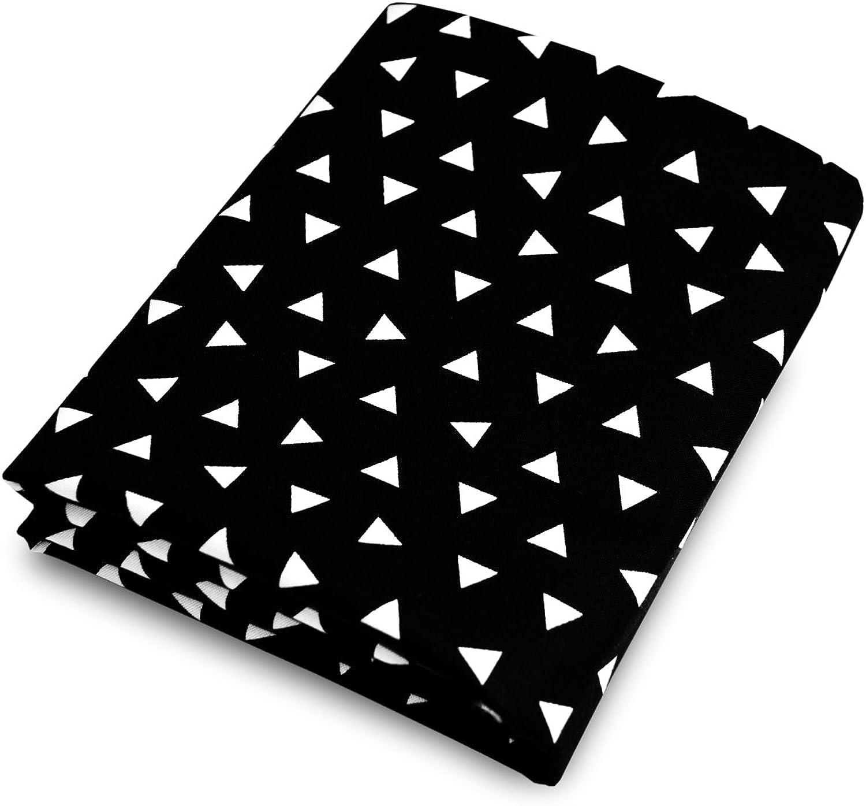 Olli & Lime Triangle Crib Sheet, Black White