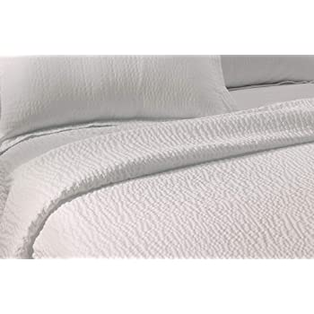 Courtyard by Marriott Textured Coverlet - Lightweight Coverlet with Wash-Activated Ripple Texture Exclusively for Courtyard - White - Queen