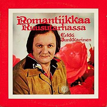 Romantiikkaa ruusutarhassa