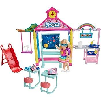 Barbie GHV80 Club Chelsea Playset