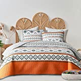 FlySheep 3-Piece Lightweight Geometric Boho Queen Quilt Set, Bohemian Tribal Orange Summer Bedspread/Coverlet, Brushed Microfiber for All Season - 92' x 90'
