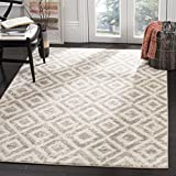 Safavieh Amsterdam Collection AMS105A Southwestern Geometric Ivory and Mauve Area Rug (4' x 6')