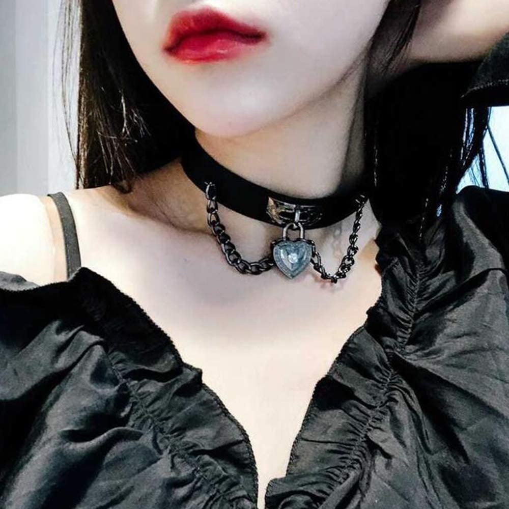 YERTTER PU Leather Choker Heart Gothic Jewelry Necklaces for Women Punk Rock Adjustable Black Collar Choker Necklaces for Cosplayer