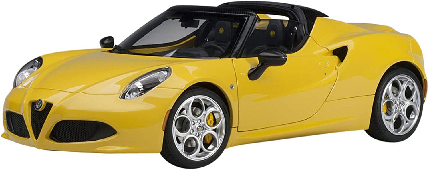 AUTOart 70143 Miniature Collection Car Yellow