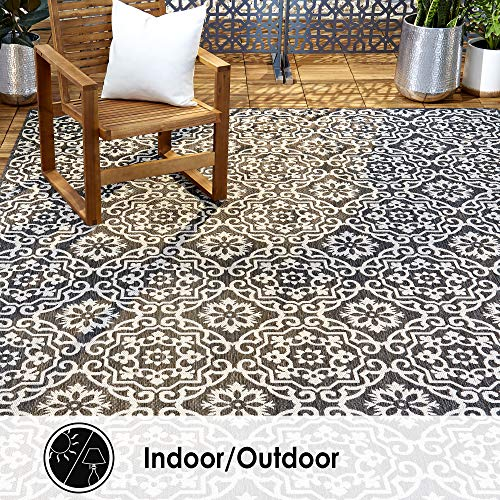"Home Dynamix Nicole Miller Patio Country Danica Indoor/Outdoor Area Rug 5'2""x7'2"", Black/Gray"