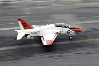 Posterazzi A T-45C Goshawk training aircraft makes an arrested landing Poster Print (34 x 22)