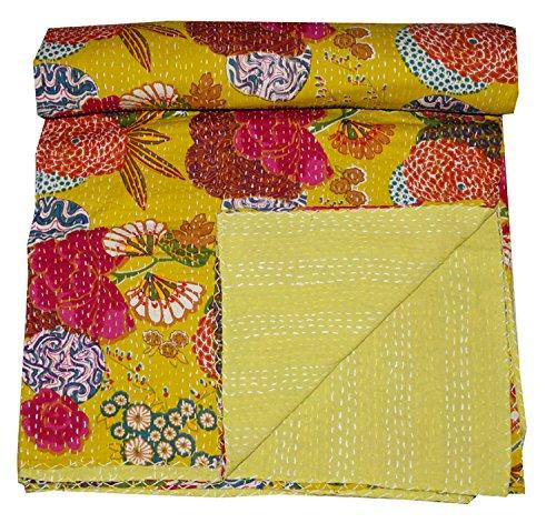 Indische Baumwolle Fruit Quilt Floral Muster Home Décor Kantha Tagesdecke, Gudari indische Handarbeit Floral Print Kantha Stich Steppdecke, Hand Kunst Arbeit, 228,6 x 274,3 cm von Online Big Bazar