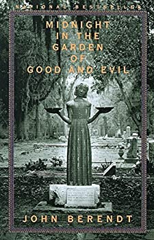 Paperback Midnight in the Garden of Good and Evil: A Savannah Story Book