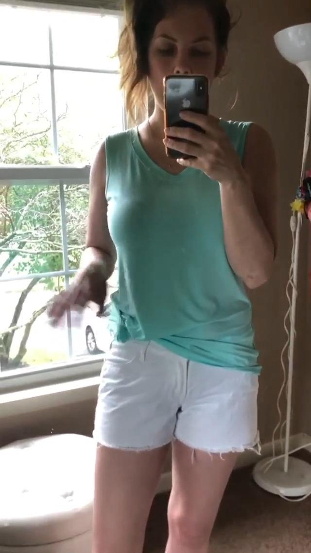 SAMPEEL Womens Trendy Basic Tank Tops Womens Sleeveless V Neck Tee Shirts