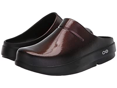 OOFOS OOcloog Luxe (Cabernet) Clog Shoes