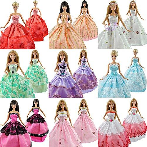 Fat-catz - Barbie Sindy Puppe - 25 Stück Set, 5X Ballkleider, 10x Schuhe/Stiefel & 10 Kleiderhaken