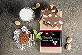 Chocolate con leche, almendras, stevia y cacao ecológico. Sin azúcar añadido. Apto para diabéticos. Sin gluten. 150 gr.