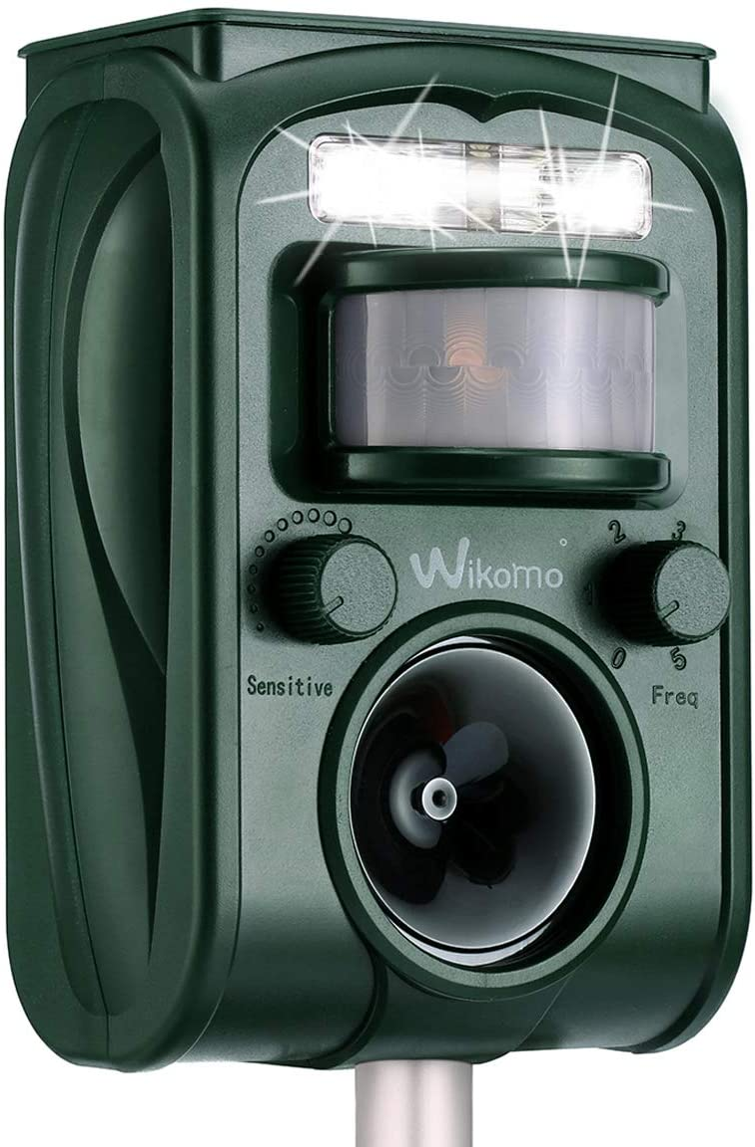 Solar Ultrasonic in Repellent Defender Rat, Squirrel, Deer, Raccoon, Skunk, Rabbit, Mole, Dog, Cat, Waterproof with Motion Detector