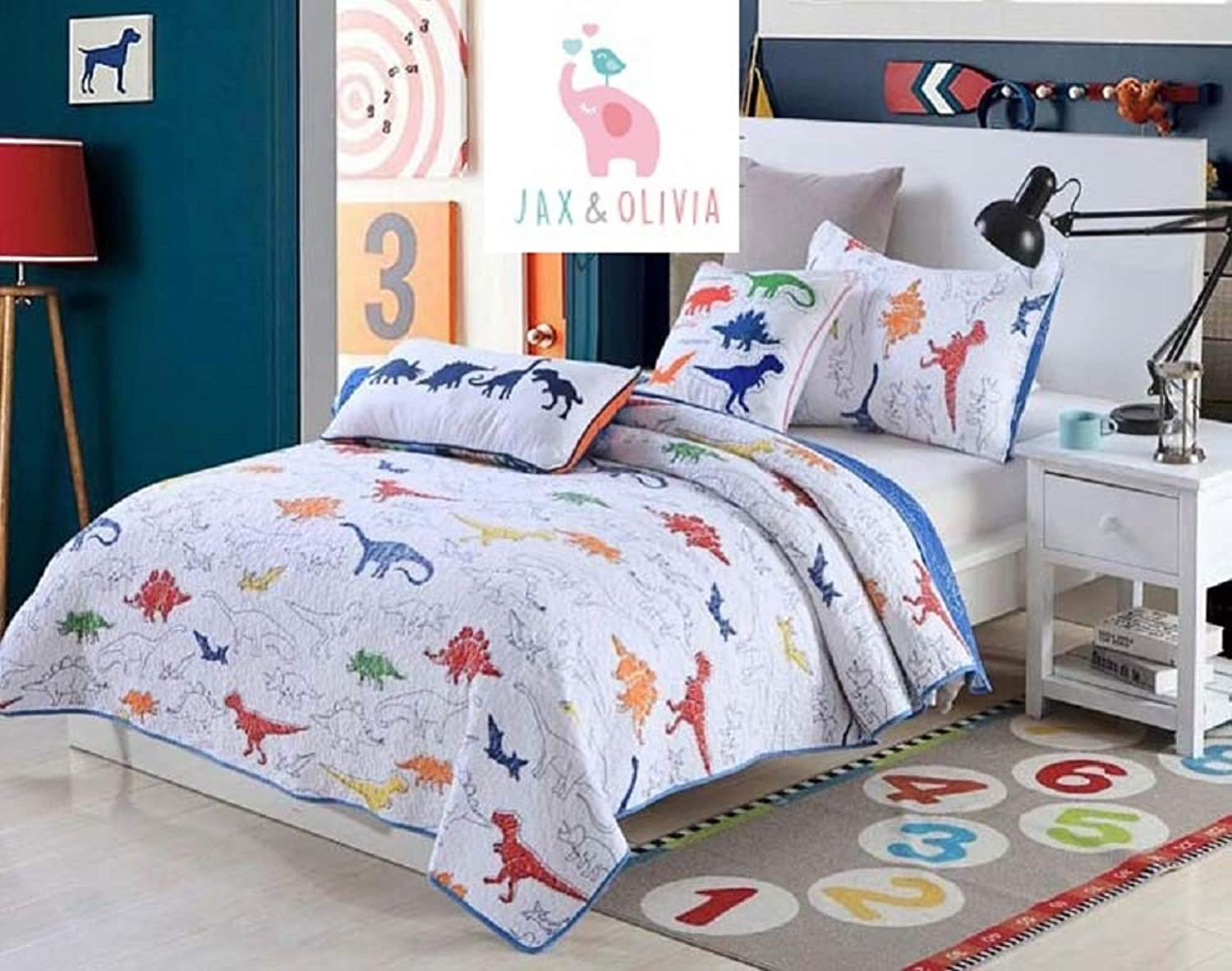 Jax & Olivia Cozy Reversible Dinosaur Quilt Set - White Quilt and colorful Dinosaurs Navy bluee, Red, Green - Full Size Bedding Quilt Set - Reversible bluee and White Dinosaur Design Bedspread & 2 Pillo