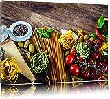 Pasta Italia mit frischen Tomaten und Gewürzen Format: