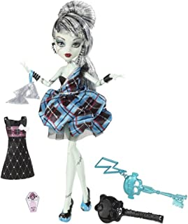 4KIDS Toy / Game Favorite Monster High Sweet 1600 Frankie Stein Doll with Flouncy Skirt and Frosting Inspired Shoes