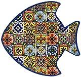 Decoro pesce in 2 diverse fantasie Fondo in sughero termoisolante In ceramica Misure: l. 20,5 x p. 1 x h. 12 cm In fase di acquisto non è possibile scegliere il decoro. La vendita sarà casuale tra uno dei prodotti raffigurati nell'immagine.