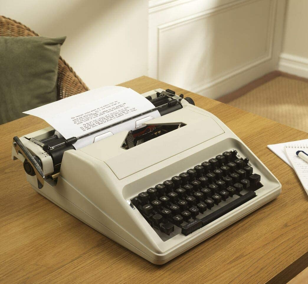 Traditional Portable Manual Typewriter With Case Cream One Size Amazon Co Uk Kitchen Home