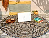 IMPEXART PVT LTD Alfombra Redonda Decorativa para salón Trapo de Mezclilla y Yute Azul 122 X 122 cm Alfombra Reversible 100% algodón Biodegradable para Dormitorio, hogar y decoración