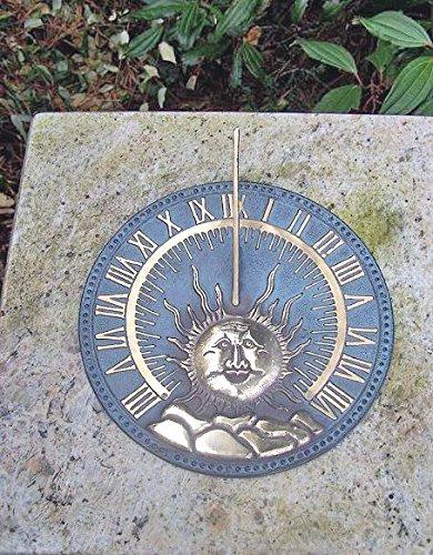 H. Packmor GmbH Bronzeskulptur Sonnenuhr mit Sonnenmotiv - Dekoration für den Garten - 26x6x26 cm