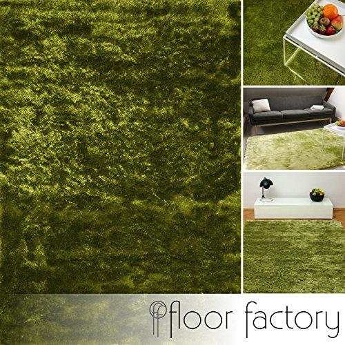 floor factory Exklusiver Hochflor Shaggy Teppich Satin grün 140x200 cm - edler, seidig glänzender Teppich