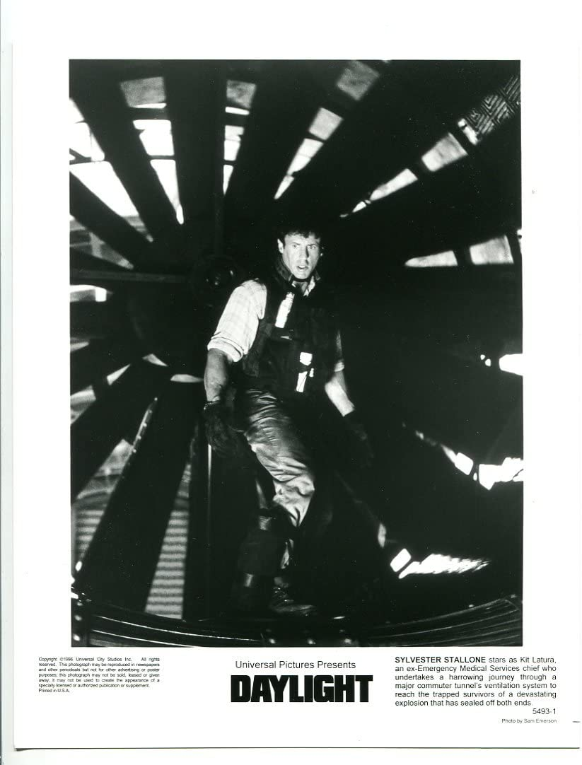 MOVIE PHOTO: 5 ☆ very popular All items in the store Stall Daylight-8x10-BW-Promotional-Still-Sylvester