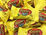 Reese's Peanut Butter Cup Eggs Easter Candy, Snack Size .6 Ounce (Pack of 2 Pounds) by Reese's