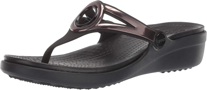 Crocs Womens Sanrah Metallic Strap Wedge Wedge Sandal