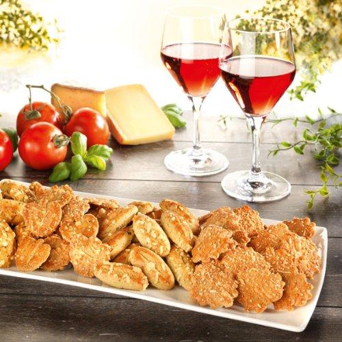 Käsegebäck Biscuits au fromage (400g) Herzhaftes und pikantes Käsegebäck - Geschmacksrichtungen: Gouda, Parmesan, mediterranen Gewürzen und Tomate - Basilikum. €27,38/kg