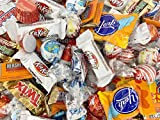 Christmas Hershey's Candy Assortment - Kit Kat, Twix Fun Size, Kisses, Reese's, York, 3 Pounds Bag Reese's Miniatures Peanut Butter Cups, Hershey's Kisses Milk Chocolate, Kit Kat Creme Chocolate,York Harvest Edition, 3 Musketeers Minis, Milky Way Min...