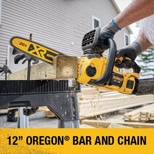 DEWALT 20V MAX XR Chainsaw Kit, 5-Ah Battery, 12-Inch (DCCS620P1)