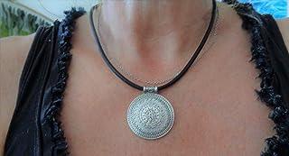 ✿ AMULET MANDALA UNICO NERO DA 4 MM SU CINTURINO IN PELLE SPESSA collar colletto nero, catena in pelle, pendente decorato,...