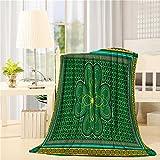 Super Soft Flannel Plush Throw Blanket 60' x 80', Geometric TV Blanket Traditional Shamrock Irish Decor Throws for Sofa Couch, Warm Caring Gift