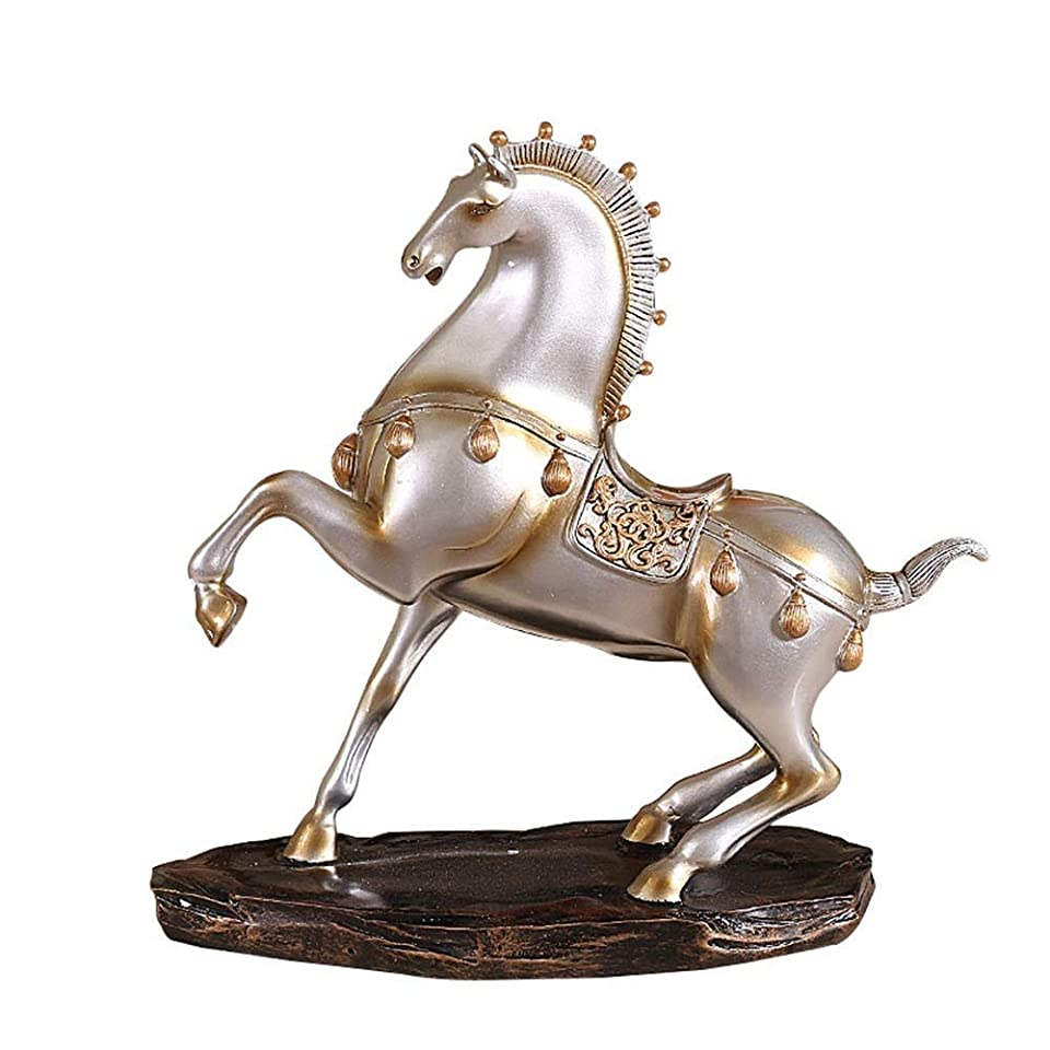 下着バングラデシュ虐待馬の装飾、warhorseの装飾品デスクの装飾完璧な家の装飾現代のミニマリストのテレビキャビネットワインキャビネット樹脂アートワーク