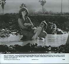 Historic Images - 1981 Vintage Press Photo Sally Field and Tommy Lee Jones star in