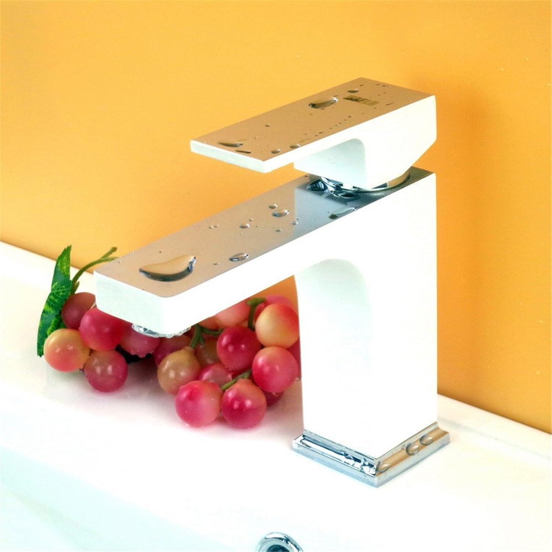 Bijjaladeva Wasserhahn Bad Wasserfall Mischbatterie Waschbecken WaschtischPlatz-Kupfer heie und Kalte abgesenkt Schminkbereich mit Waschbecken Armatur Chrom Spiegel Farbe