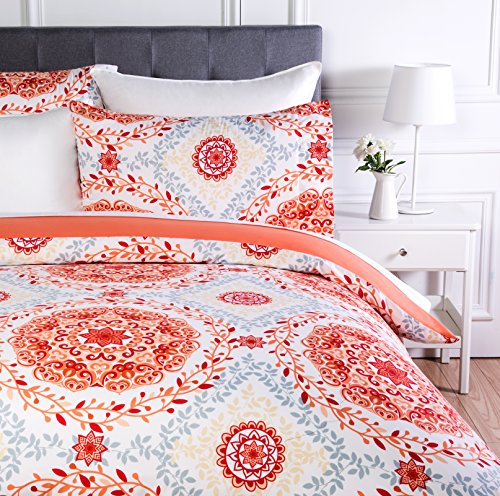 AmazonBasics Microfiber Duvet Cover Set, Light weight – 260 x 220 cm, Super King - Coral Medallion