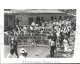 Vintage Photos 1989 Press Photo March Against Repression & Support of FMLN in El Salvador.