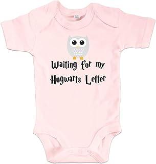 net-shirts Organic Baby Body mit Hogwarts Letter Aufdruck Spruch Motiv süß Cute Strampler aus Bio-Baumwolle