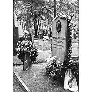 Vintage photo of The Chief Executive Officer KG Ljungdahl puts a wreath on FV Hansen's grave