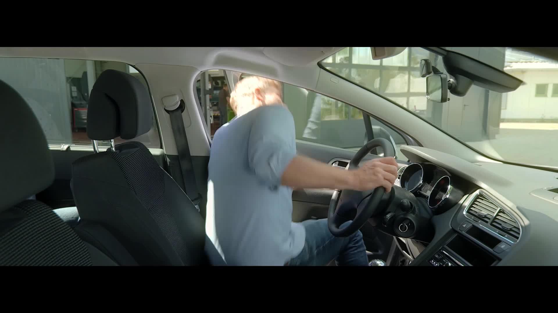 Bosch R2402 Innenraumfilter Mit Aktivkohle Auto