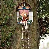 Zonary Märchenhaus mit Leiter hängende Baumskulptur im Freien Baumstatue Deko Machen Menschen Glücklich, Geeignet für die Dekoration von Innen und Außenobjekten im Garten