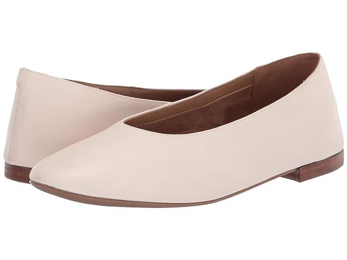 Aerosoles  Front Runner (Bone) Womens Flat Shoes