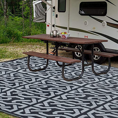 SAND MINE Reversible Mats, Plastic Straw Rug, Modern Area Rug, Large Floor Mat and Rug for Outdoors, RV, Patio, Backyard, Deck, Picnic, Beach, Trailer, Camping (9' x 12', Black & Grey)