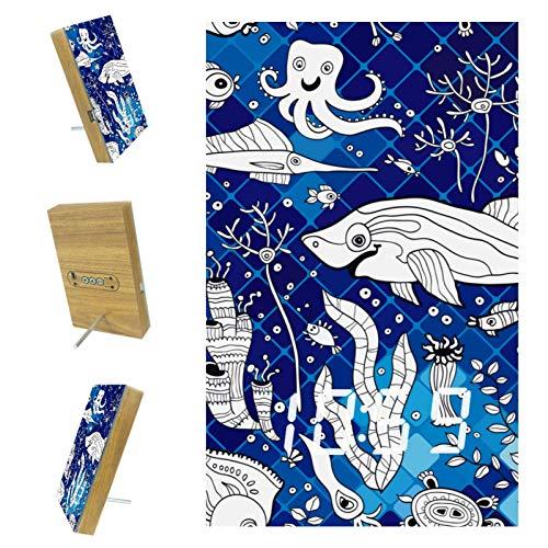 EZIOLY - Sveglia digitale a mosaico di pesce marino, con display digitale blu, con data, data, in resina di legno, USB, alimentazione a batteria, risparmio energetico per camera da letto e ufficio