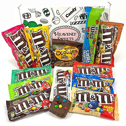 Confezione Grande di Snack Americani M&M's | Caramelle e Cioccolato per Idea Regalo di Natale e Compleanno | Vasta Gamma tra cui M&M Burro di Arachidi, M&M la Menta | Confezione Vintage di Cartone