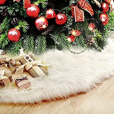 Faux Fur Christmas Tree Skirt for a soft snow effect