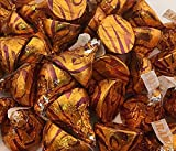 Hershey's Kisses Milk Chocolate Filled With Caramel, Gold Foil (Pack of 5 Pounds)