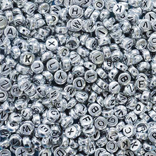 Kurtzy Alfabeto Abalorios Letras (1000 Piezas) - 6 x 6mm (A-Z) Cuentas de Plástico con Acabado Plateado - Abalorios de Plastico para Pulseras, Collares, Llaveros y Joyería de Niño